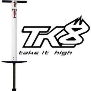 photo montrant le baton sauteur TK8 BIG AIR avec son logo a coté
